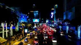 Zeitspanne des Nachtverkehrs an Ratchaprasong-Schnitt stock video footage