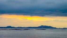 Zeitspanne des Sonnenuntergangs in Si-Chang-Insel mit digitalem Verschieben stock footage