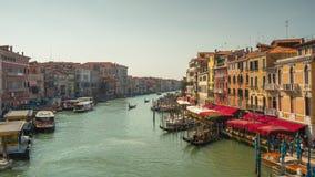 Zeitspanne des Tag-rialto Brückencanal grande-Restaurantpanoramas 4k Venedig Italien stock video footage