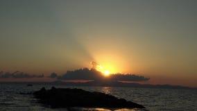Zeitspanne eines Seeseiten-Sonnenaufgangs 4 K stock footage