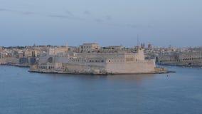 Zeitspanne in Valletta von Malta mit schwimmenden vielen versendet stock video