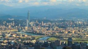 Zeitspanne von Taipeh, Taiwan Abendskyline stock video