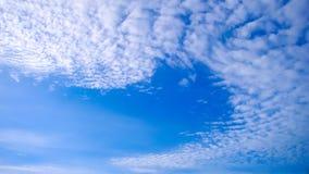 Zeitspanne von Wolken mit blauem Himmel stock footage