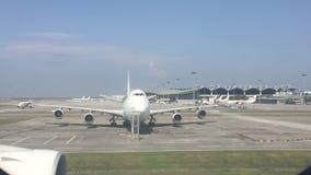 Zeitspannegesamtlänge internationalen Flughafens Kiloliters stock video