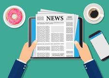 Zeitung auf Tablette Lizenzfreie Stockfotos