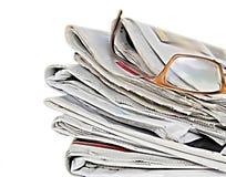 Zeitung oben gerollt stockfoto