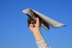 Zeitungsflugzeug Lizenzfreies Stockfoto