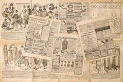 Zeitungsseiten mit antiker Werbung lizenzfreie stockbilder
