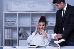 Zekere vrouwelijke werkgever stock foto's