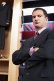 Zekere Zakenman In Clothing Store Royalty-vrije Stock Foto