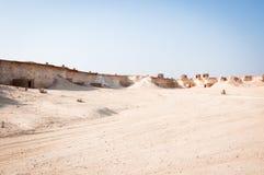 奥秘村庄在Zekreet沙漠,多哈,卡塔尔 免版税库存照片