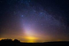 Zeldzaam fenomeen - Zodiacal licht royalty-vrije stock afbeeldingen