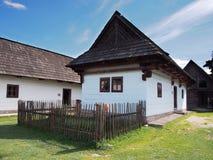Zeldzaam houten volkshuis in Pribylina royalty-vrije stock fotografie