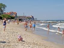 Zelenogradsk, Rusia La playa de la ciudad en el banco del mar Báltico Imagen de archivo libre de regalías