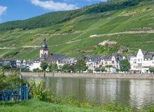 Zell en der Mosel, Mosel dal, Tyskland arkivbild