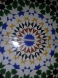 Zellige marroquí tradicional del trabajo muy viejo de Fes Imagen de archivo libre de regalías