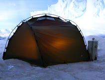 Zelt in den Bergen Stockfoto