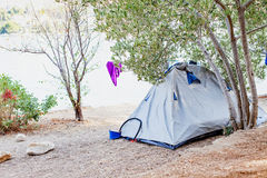 Zelt durch die Küste, Kroatien Lizenzfreies Stockfoto