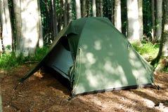 Zelt im Wald Lizenzfreies Stockbild
