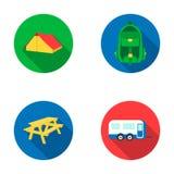 Zelt, Rucksack, Tabelle mit einer Bank, Anhänger Kampierende gesetzte Sammlungsikonen in der flachen Art vector Illustration des  Lizenzfreie Stockfotos