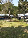 Zelt und Auto im Nationalpark Stockfotografie