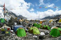 Zelte an niedrigem Lager Everest Stockbild