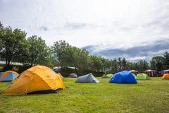 Zelte steht in kampierendem Reykjavik, Island Lizenzfreie Stockbilder