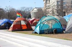 Zelte und Regenbogen Markierungsfahne an der Freiheits-Piazza Lizenzfreies Stockbild