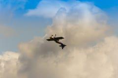 ZELTWEG ÖSTERRIKE - JULI 02, 2011: Lag för flygtjurkonstflygning, Arkivfoton