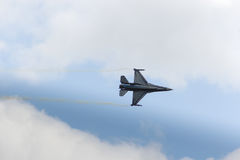 ZELTWEG, AUTRICHE - 2 JUILLET 2011 : avions, F-16 de LOCKHEED MARTIN photographie stock libre de droits