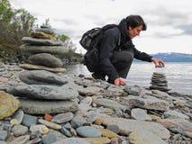 πύργοι δύο πετρών πετρών πυραμίδων βουνών περισυλλογής τοπίων zen Στοκ φωτογραφία με δικαίωμα ελεύθερης χρήσης