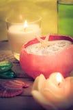 Zen aromatique de pierres de bougies de massage d'huile Photos stock