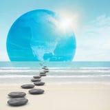Zen-como el camino de las piedras a la tierra Foto de archivo libre de regalías