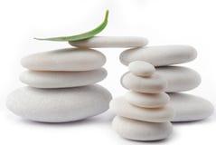 Zen di pietra bianco del ciottolo Immagini Stock