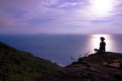 Zen do amanhecer no pico Fotos de Stock Royalty Free