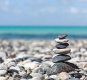 Zen evenwichtige stenenstapel Royalty-vrije Stock Foto's