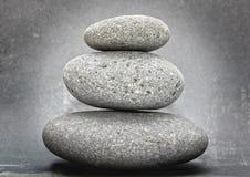 Zen gestapelde stenen Stock Afbeelding