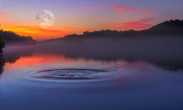Zen jeziora spokój Fotografia Royalty Free