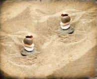 Zen kamienie na piasku Obrazy Stock