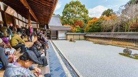 Zen Rock Garden in Ryoanji-Tempel in Kyoto royalty-vrije stock fotografie