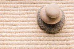 Zen. Steen en zand royalty-vrije stock fotografie