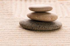 Zen. Stein und Sand Stockfotos