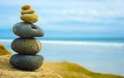 Zen-Stein zusammen gestapelt Lizenzfreie Stockbilder