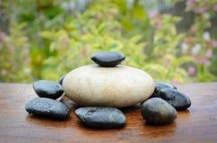 Zen-Steine und Garten Stockfoto