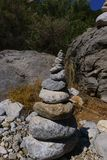 Zen Stones con las rocas en el fondo Fotos de archivo libres de regalías