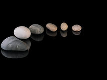 Zen stones rocks spa in stapelmindfulness Stock Foto's