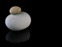 Zen stones rocks spa in stapelmindfulness Stock Foto