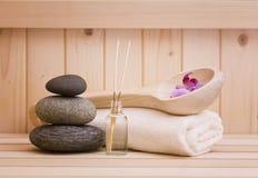 Zen stonesand handdoeken, echte xationachtergrond in sauna Stock Foto