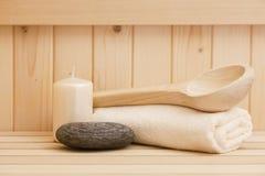 Zen stonesand handdoeken, ontspanningsachtergrond in sauna Royalty-vrije Stock Afbeeldingen