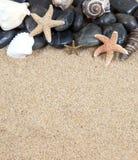 Zenbadekurortflußfelsen und -shells ein stockfoto